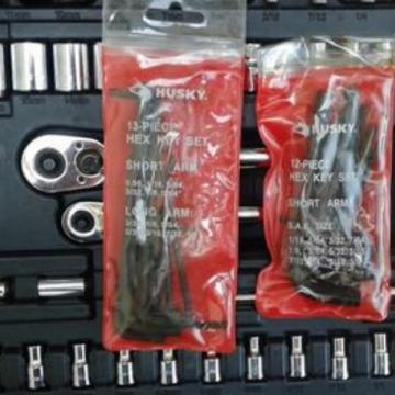 LARGE Mechanics Hand TOOL Socket SET With Mixed ACCESSORIES Pro Or DIY Projects